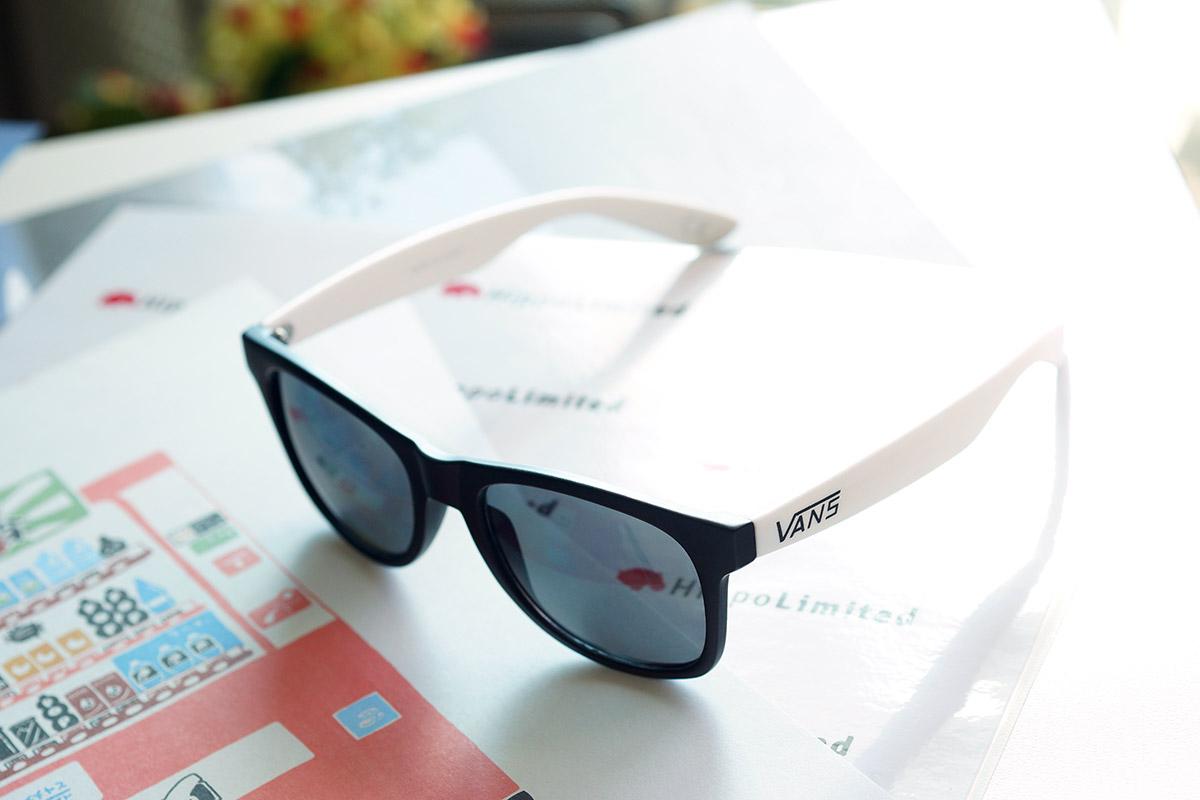 แว่น Vans Spicoli 4 Sunglasses - Black/White