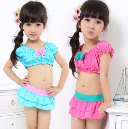 ชุดว่ายน้ำทูพีช สีชมพู เขียว แขนตุ๊กตา