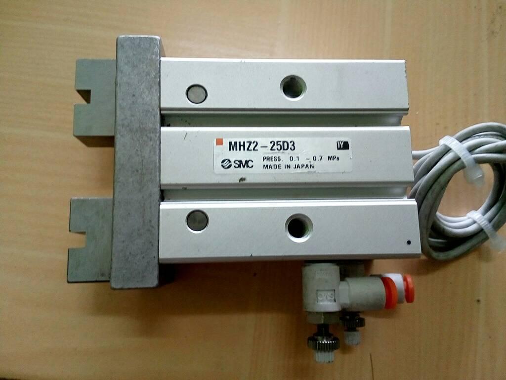 กระบอกลม Gripper SMC MHZ2-25D3-Y7PVL สินค้ามือ 2