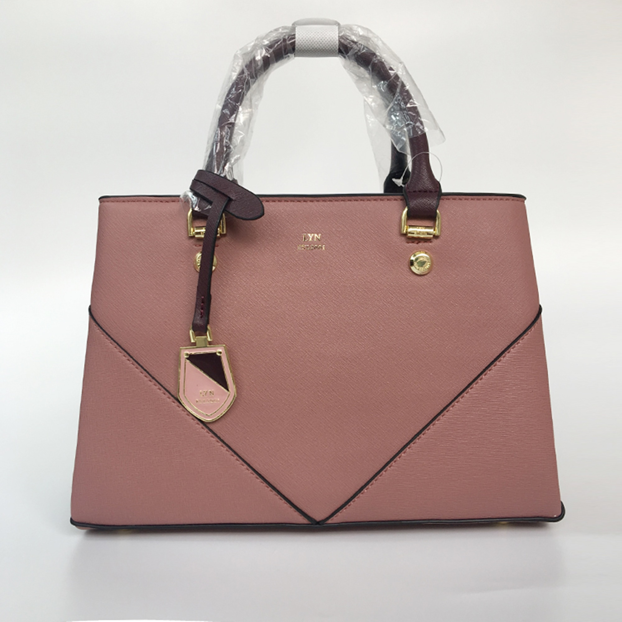 87be657178cd LYN AMOUR M BAG  สีชมพู - OutletBagStore   Inspired by LnwShop.com
