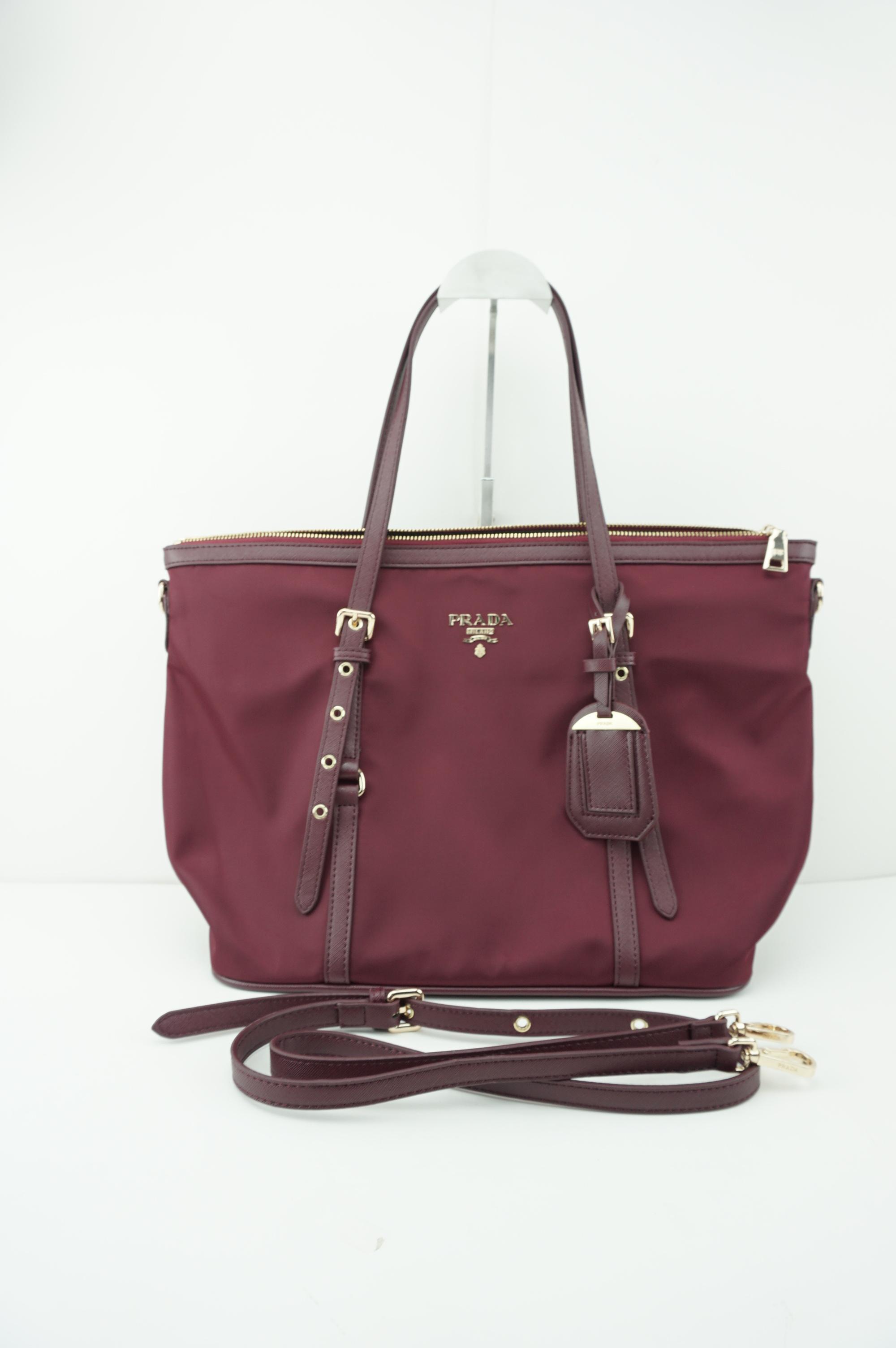Prada premium gift Tessuto/Saffiano Bag -สีแดง
