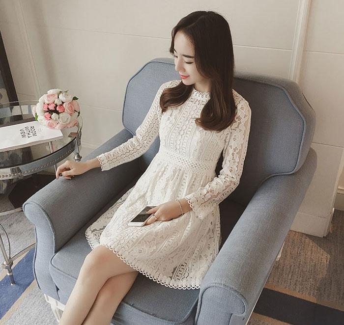 ชุดเดรสลูกไม้ ชุดผ้าลูกไม้สวยๆ แฟชั่นเกาหลี สีขาว แขนยาว น่ารักๆ ใส่ออกงาน