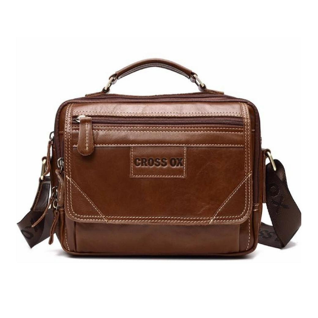 กระเป๋าสะพายข้าง ผู้ชาย เป็นกระเป๋าหนังแท้ ขนาดพอดีกับไอแพท พกพาสะดวกเวลาไปไหนมาไหน