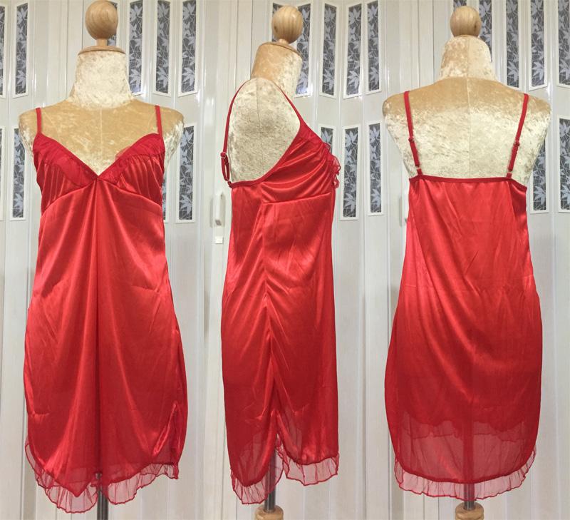 ชุดนอนผ้าซาติน ชายระบาย เว้าข้าง สีแดง ภาพจริง