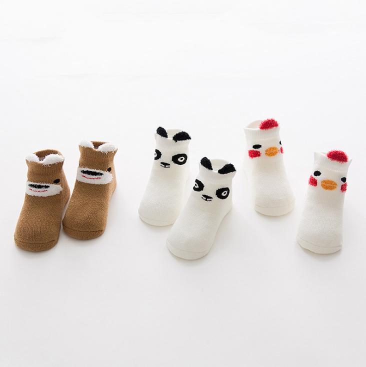 ถุงเท้าสั้น ลายหมีแพนด้า คละสี แพ็ค 12 คู่ ไซส์ ประมาณ 1-3 ปี