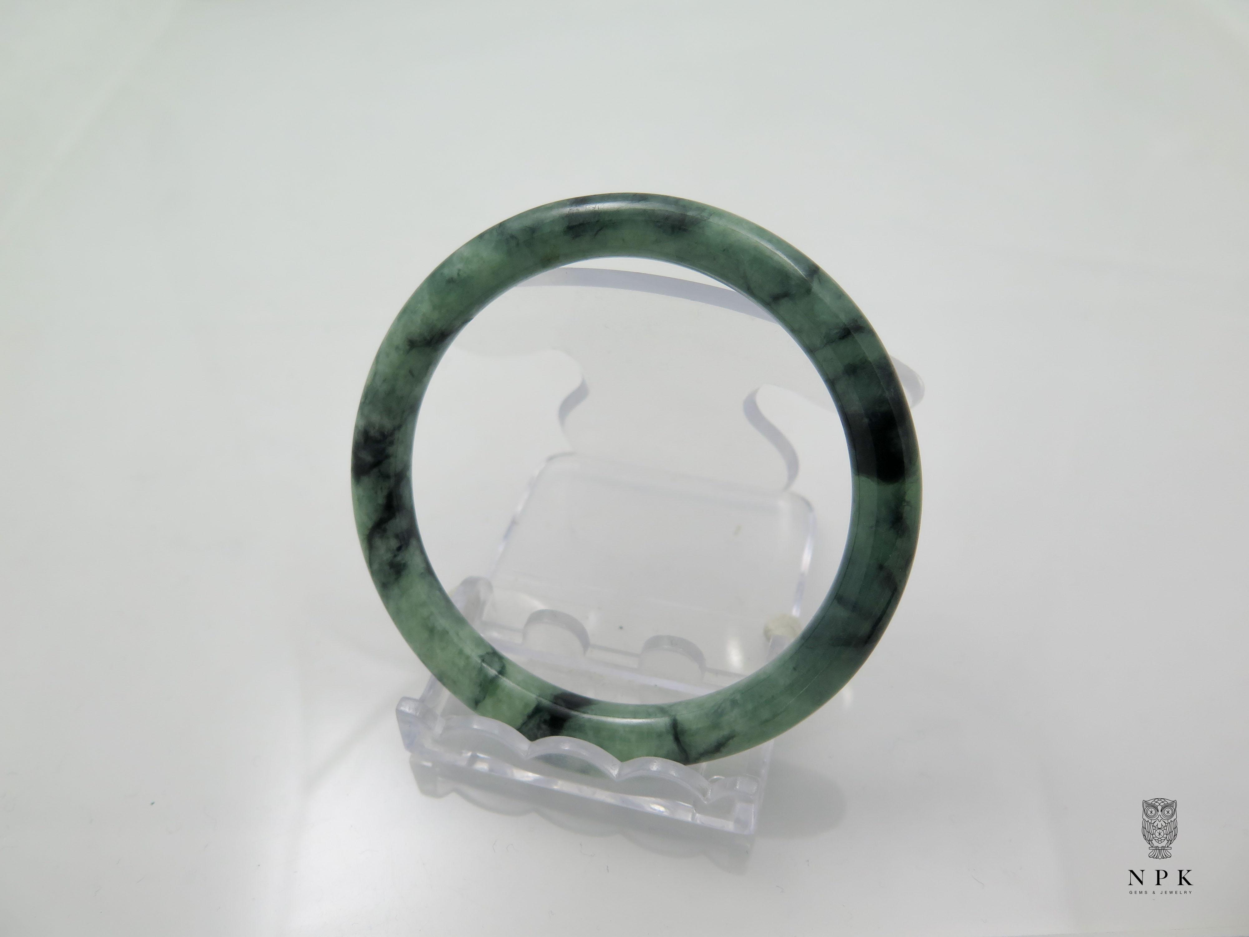 กำไลหยกลายเขียวเนื้อดี(Bangle jade)