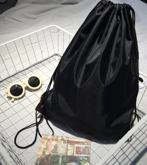 กระเป๋าสะพายหลัง
