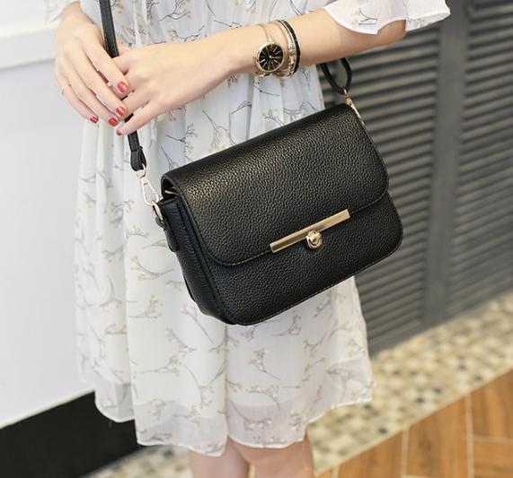 กระเป๋าสะพายข้างผู้หญิง Twenty (ฺBlack)