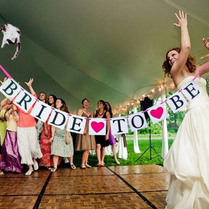 ธงตัวอักษร BRIDE TO BE