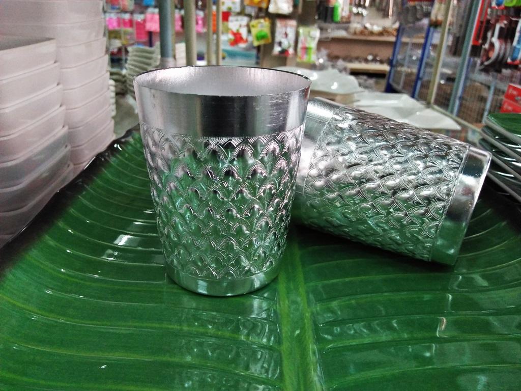 แก้วน้ำอลูมิเนียมลายไทย