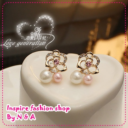 ตุ้มหูดอกกุหลาบพร้อมไข่มุก Love ornaments century pearl flowers earrings Korea Korea Europe and the United States retro female earrings earrings jewelry