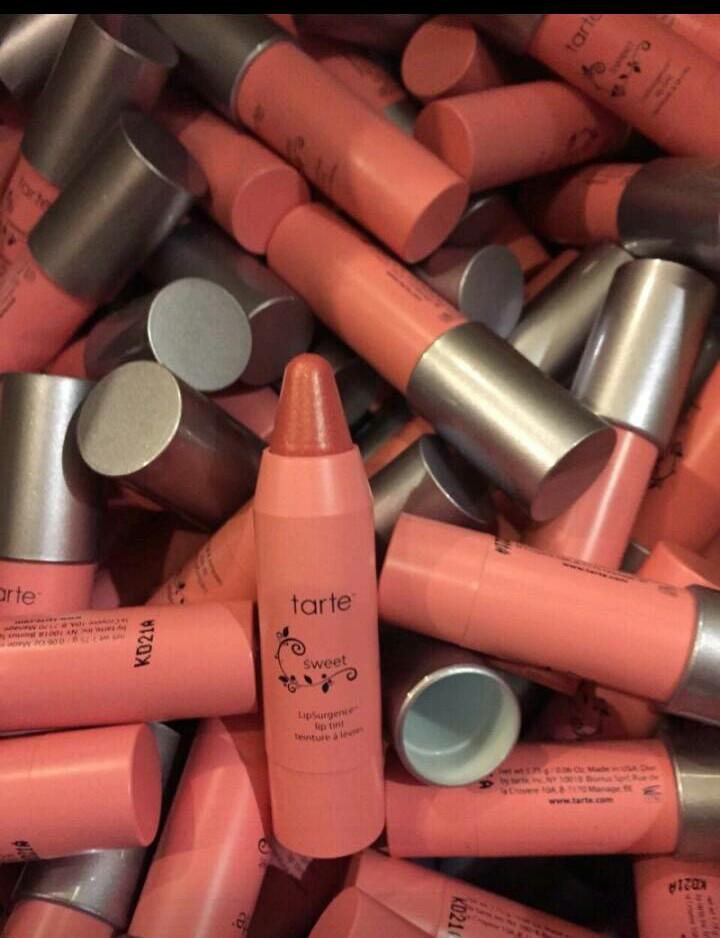 Tarte LipSurgence Lip Tint สี SWEET-warm golden pink(ขนาดทดลอง) 1.75 g.ลิปทินส์ที่ให้ความแนบสนิทกลมกลืนกับริมฝีปากแต่ให้ความคงทน ด้วยเทคโนโลยีให้ส่วนผสมจากธรรมชาติสูง