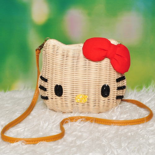 [Preorder] กระเป๋าสานแฟชั่น Hello Kitty สีเบจ (ไซส์ใหญ่) Hello kitty cat cartoon summer special Japanese lena sequined bow rattan shoulder bag lady