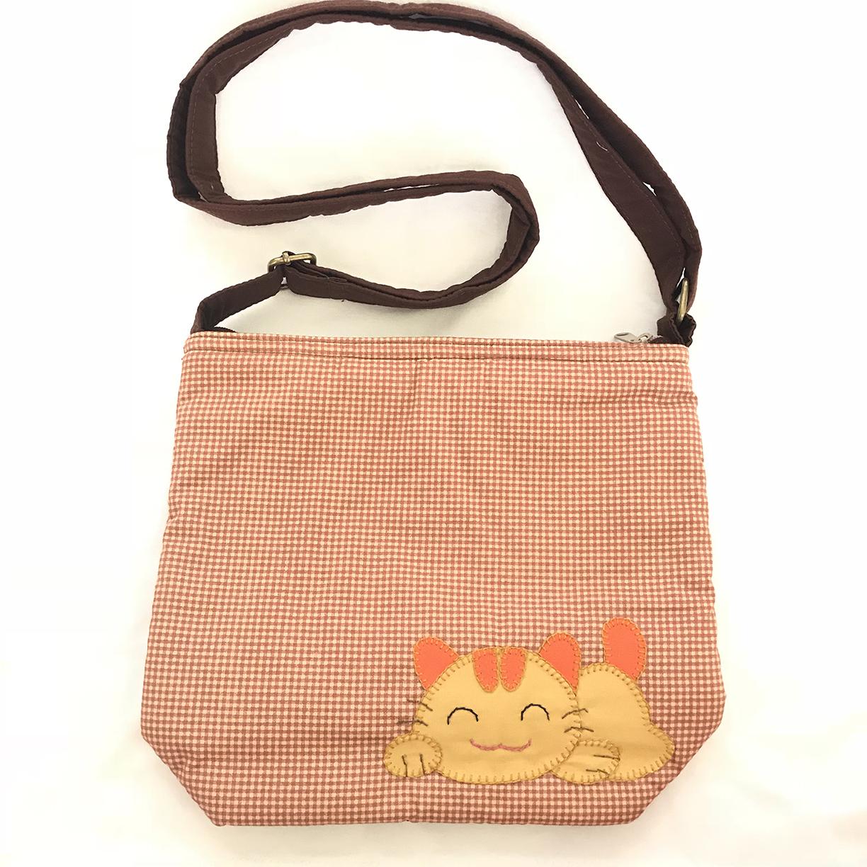 ** พร้อมส่งค่ะ ** กระเป๋าสะพายข้าง ลายแมวน้อย สีน้ำตาล
