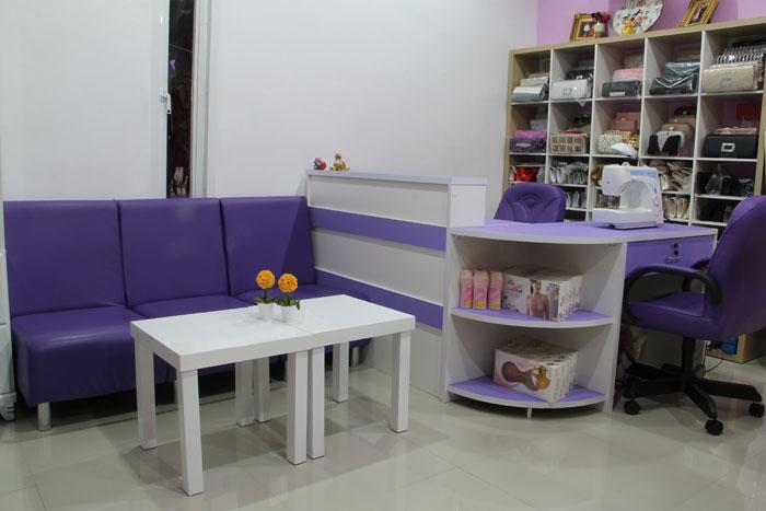 ภาพห้องรับรองลูกค้าของร้านเช่าชุดราตรี All Sweet Dress ย่านฝังธนค่ะ