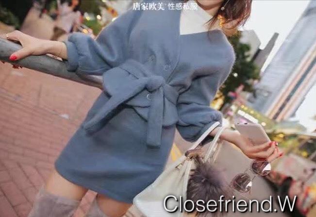 เสื้อผ้าเกาหลี พร้อมส่ง เสื้อแขนพองกับกระโปรงทรงเอ