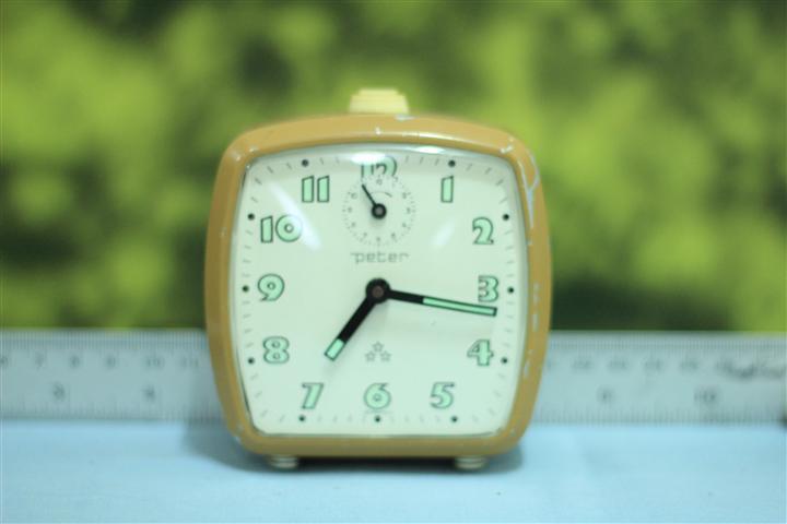 T0642 นาฬิกาปลุกเยอรมันโบราณ Peter ส่ง EMS ฟรี