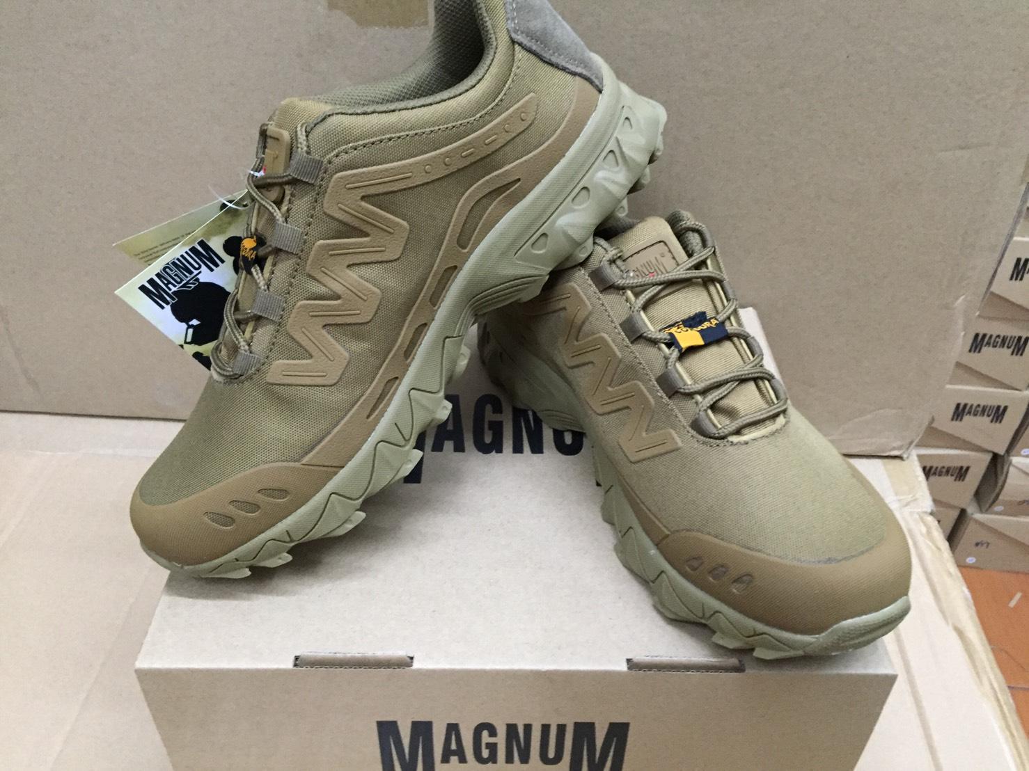 รองเท้าผ้าใบ Magnum น้ำตาล