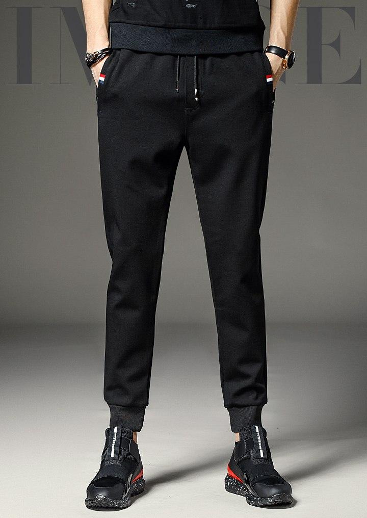 Pre Order กางเกงแฟชั่นแนวสปอร์ต ดีไซน์เรียบ เท่ห์ ขาจั๊ม สีดำ