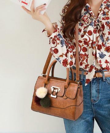 Pre-order พร้อมส่ง กระเป๋าถือสตรีและสะพายข้าง แฟชั่นเกาหลี รหัส KO-1703 สีน้ำตาลอมส้ม *แถมป๋อม 3 สี