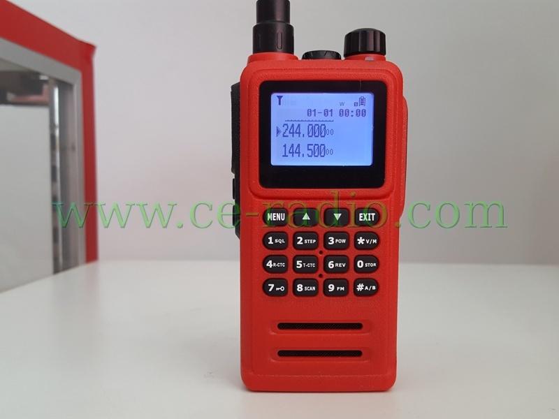 MOTO XIR860 GP-306 เครื่องสีแดง กันน้ำ 136-174/240-260 MHz.