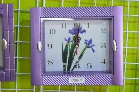 นาฬิกาผนัง 8.5 x 7.5 นิ้ว คละลาย 6 ชิ้น รหัส 218