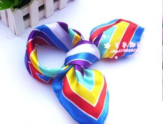 ผ้าพันคอผ้าซาติน Squre Colorful