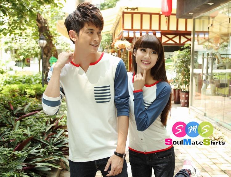 เสื้อคู่ เสื้อคู่รัก ชุดพรีเวดดิ้ง ชุดคู่รัก เสื้อคู่รักเกาหลี เสื้อผ้าแฟชั่น ผู้ชาย + ผู้หญิง เสื้อแขนยาวสีขาว ตัดด้วยแขนเสื้อลายฟ้าขาว ผลิตจากผ้าฝ้าย เนื้อนิ่ม หนา ใส่ สบาย งานจริงสวยๆมากค่ะ