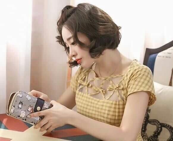 กระเป๋าสตางค์ Chalita wu สีเทา ลายแมวเล็ก