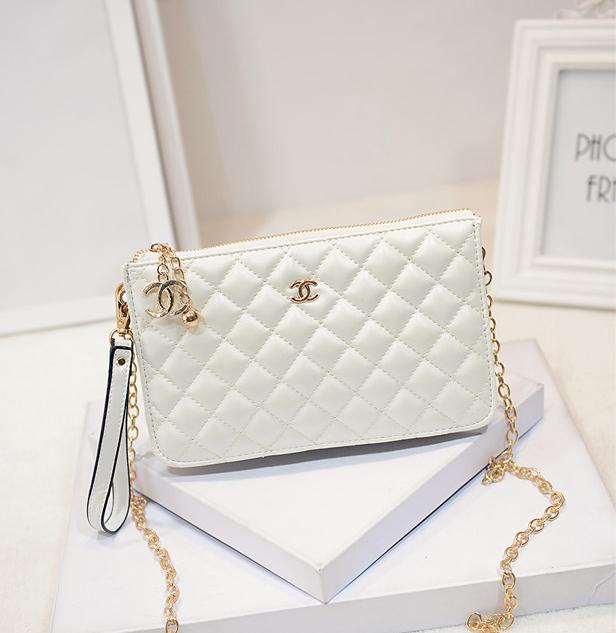 กระเป๋า คลัทช์/สะพาย สีขาว